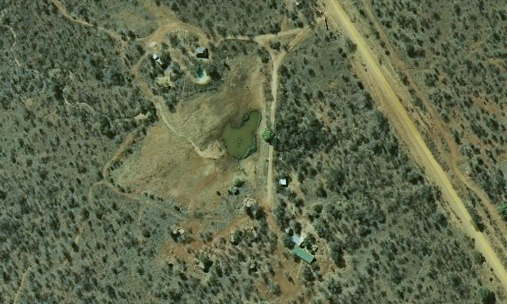 De Bushwise Campus. Rechts van de weg begint het Makalali-reservaat. Bron: Google Maps.