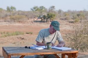Studeren voor het examen van vandaag. Foto; Shirell Lynch (Bushwise)