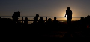 Sundowners op de brug over de Mahkutswi-rivier