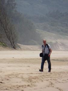 In volle bepakking op het strand...
