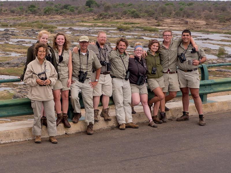 Onze Kruger-groep van vandaag. V.l.n.r.: Tina, Anna, Emma, Frank, Ash, Ben, Hayley, Macon, Andy en Shawn. Cobus nam de foto en staat er dus niet op