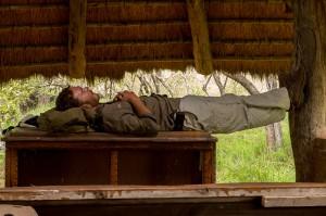 Cobus relaxet op zijn geheel eigen wijze